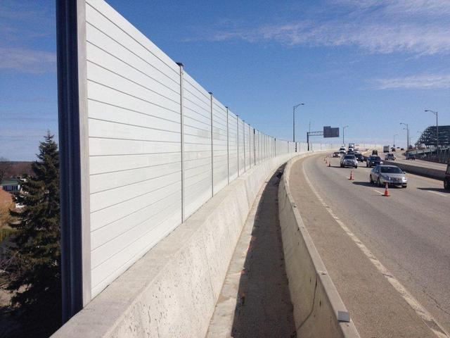 Bridge-mounted-highway-sound-barrier